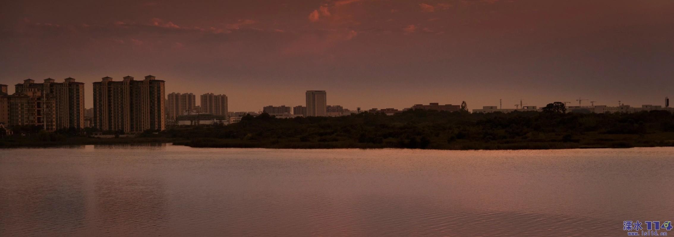 �P��湖景